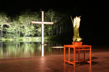 水の教会02.jpg